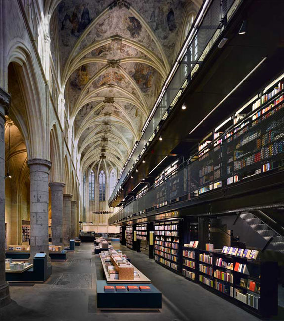 selexyz dominicanen 2 The World's 6 Coolest Looking Bookstores